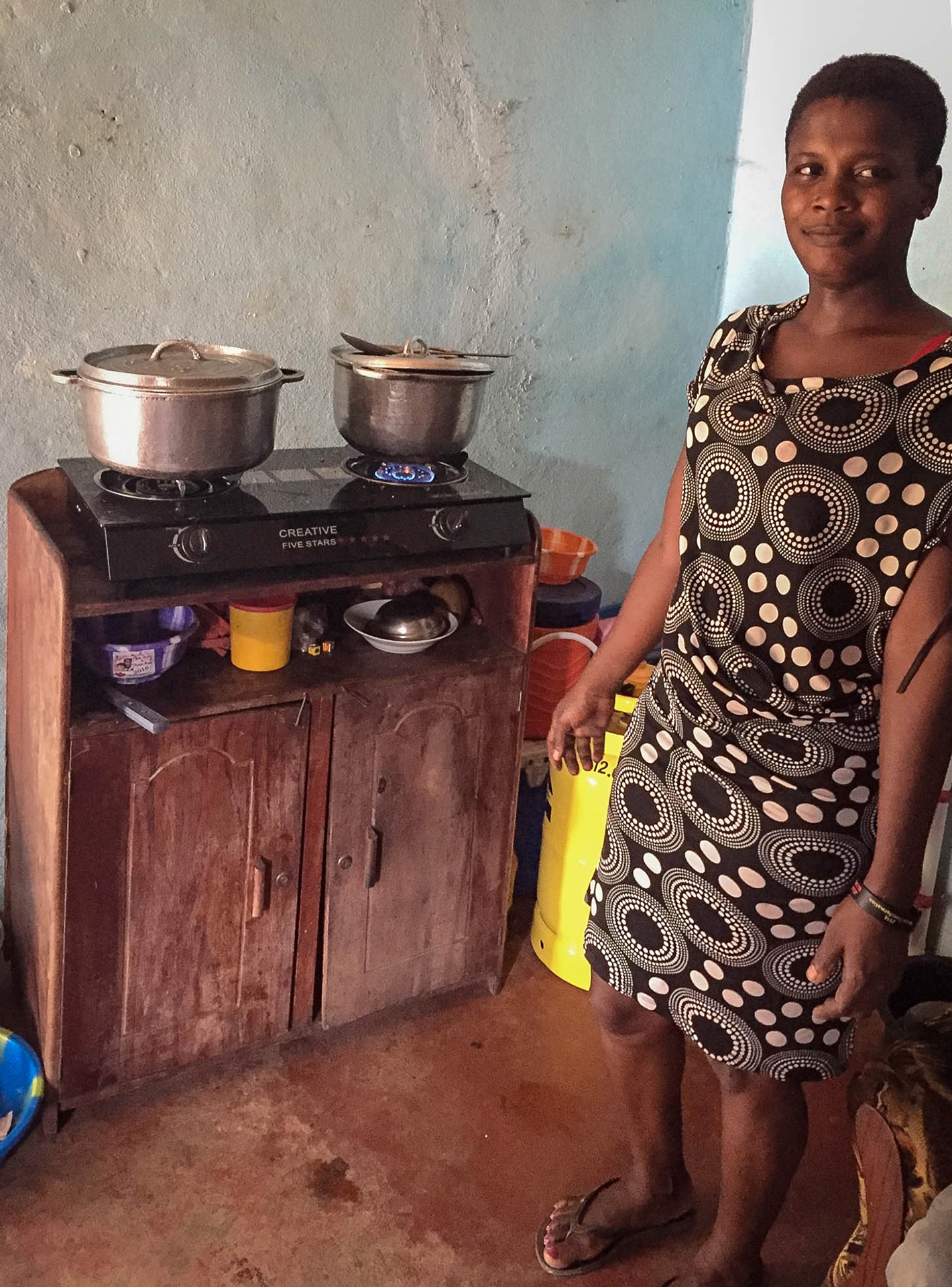 Cooking with LPG in Limbe, southwest Cameroon.