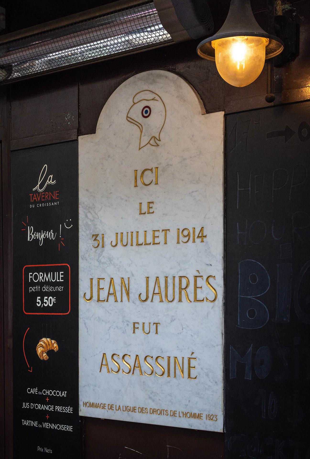 The plaque commemorating the assassination of Jean Jaurès outside the Taverne du Croissant, Rue du Montmartre, Paris