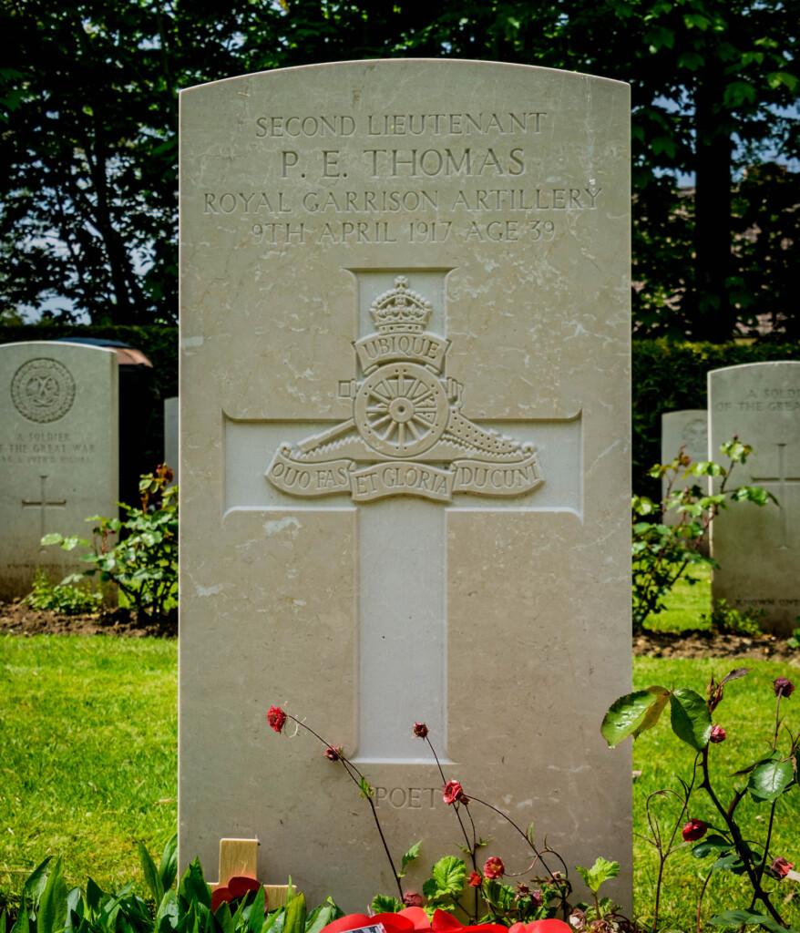 The grave of poet Edward Thomas at Agny Cemetery, near Arras