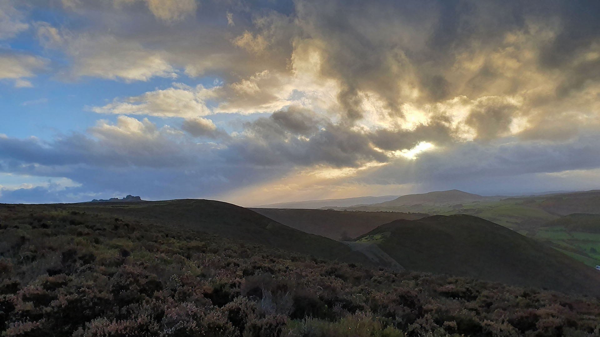 View from near Shepherd's Rock westwards towards the Welsh mountains