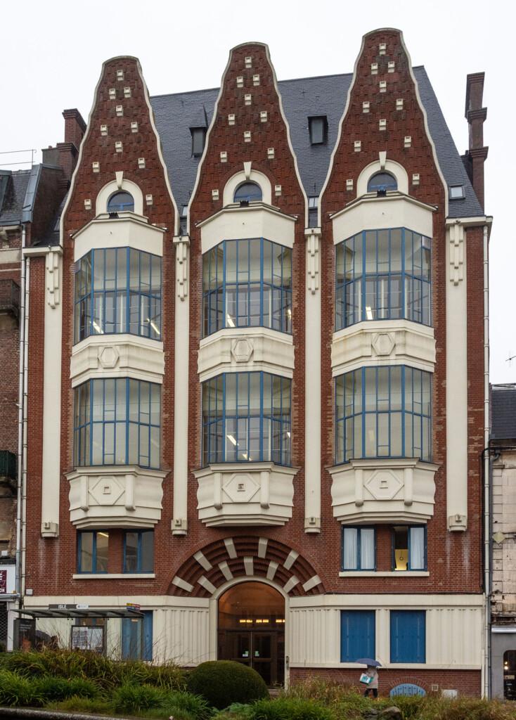 The Art Déco style Conservatoire de Musique et de Théâtre, in the heart of Saint-Quentin.